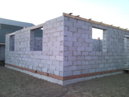 Постройка дома из твинблоков